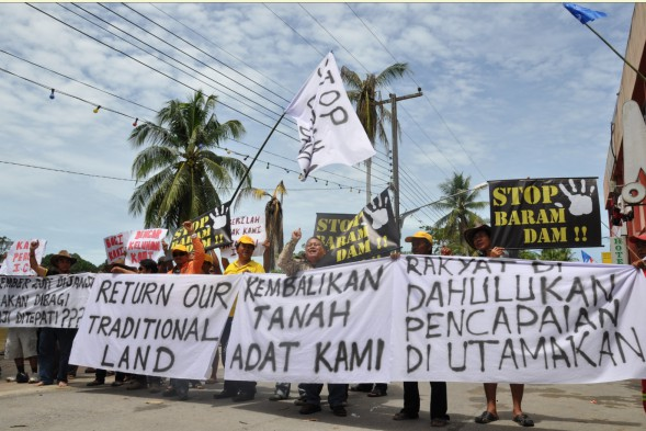 Historic day in Baram as Taib visit meets protests